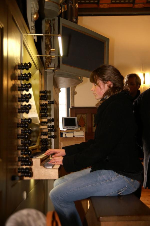Femke spielt BWV 731
