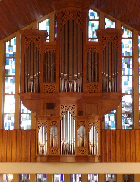 461px-Orgel_altreformierte_Kirche_Bunde_(Front)
